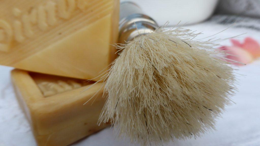 shaving-brush-498215_1920